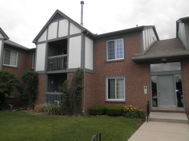 Condo for Rent in Macomb