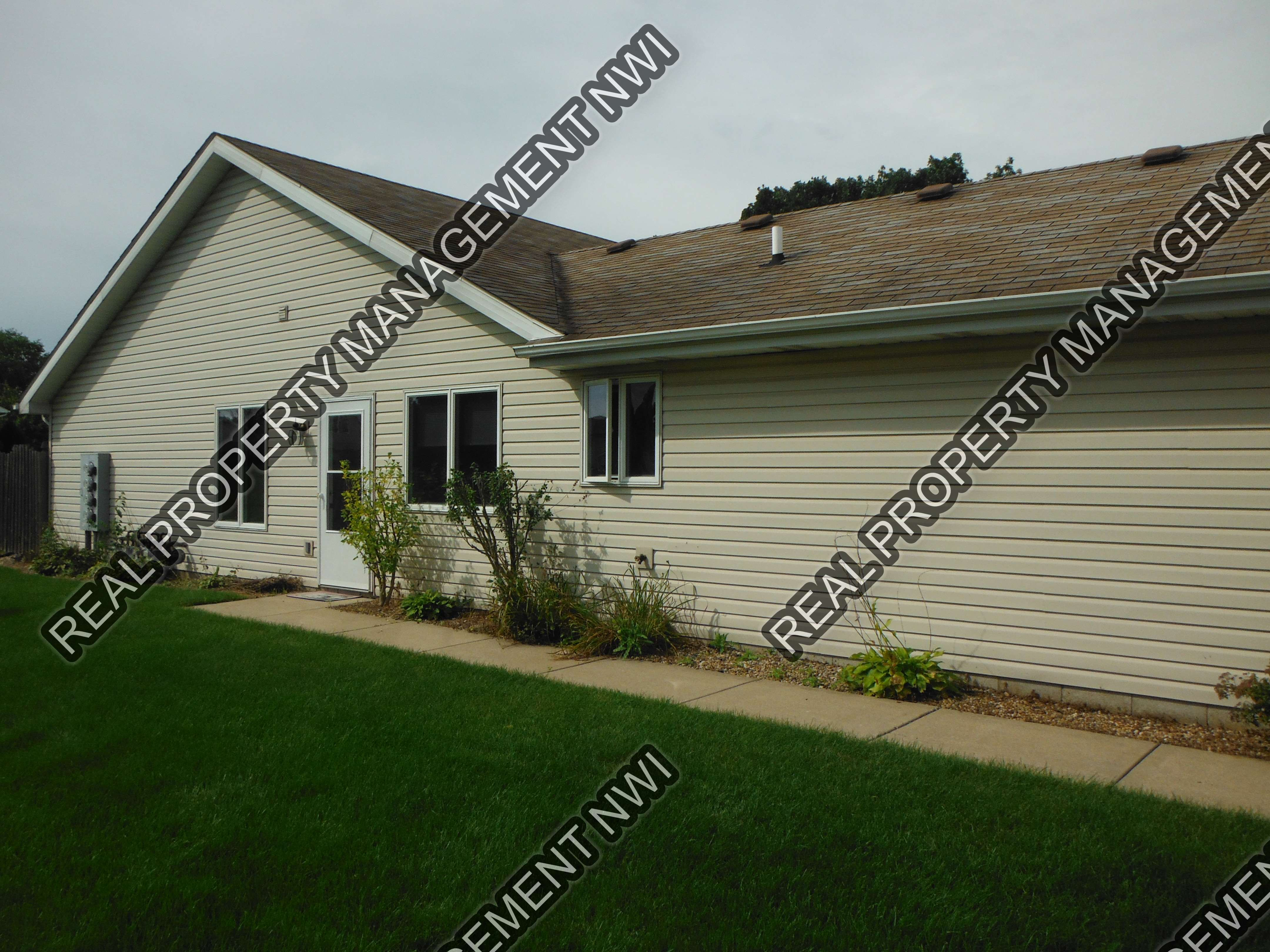 Townhouse for Rent in Crown Point