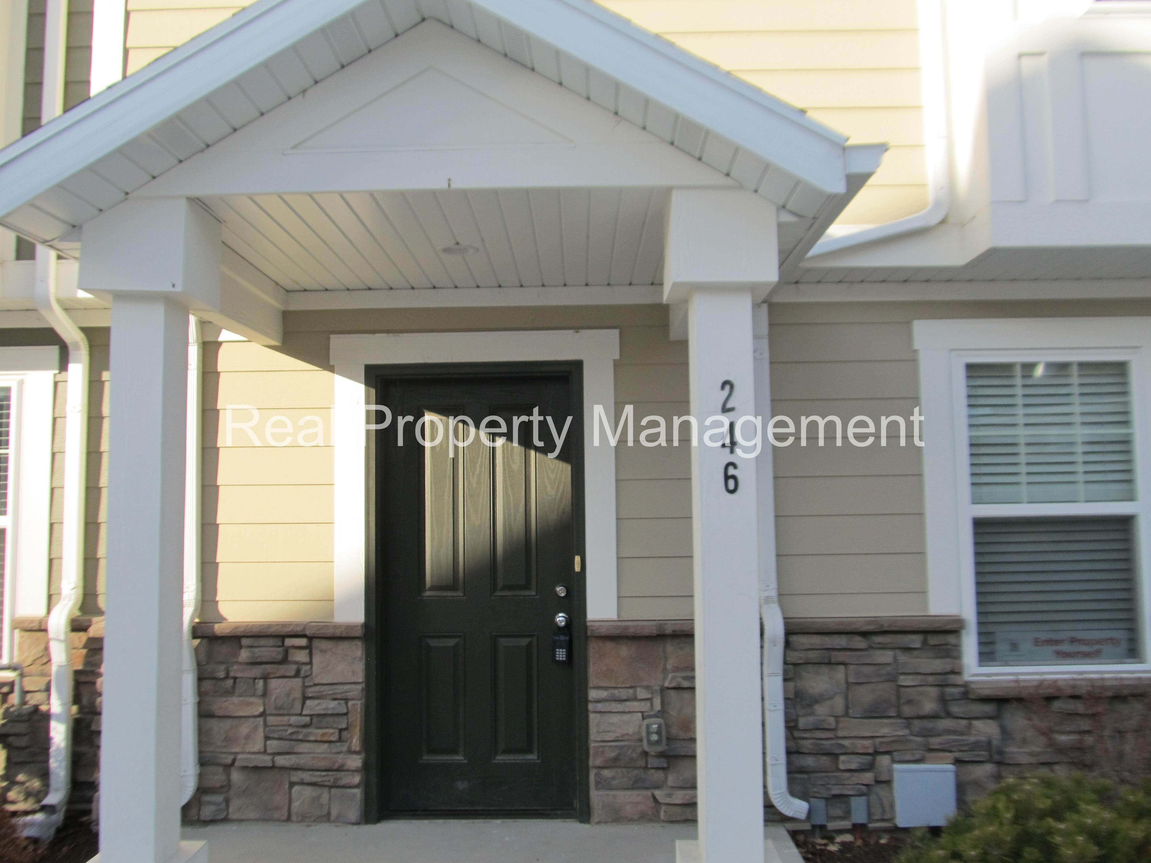 Townhouse for Rent in Logan