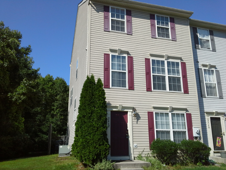 Townhouse for Rent in Edgewood