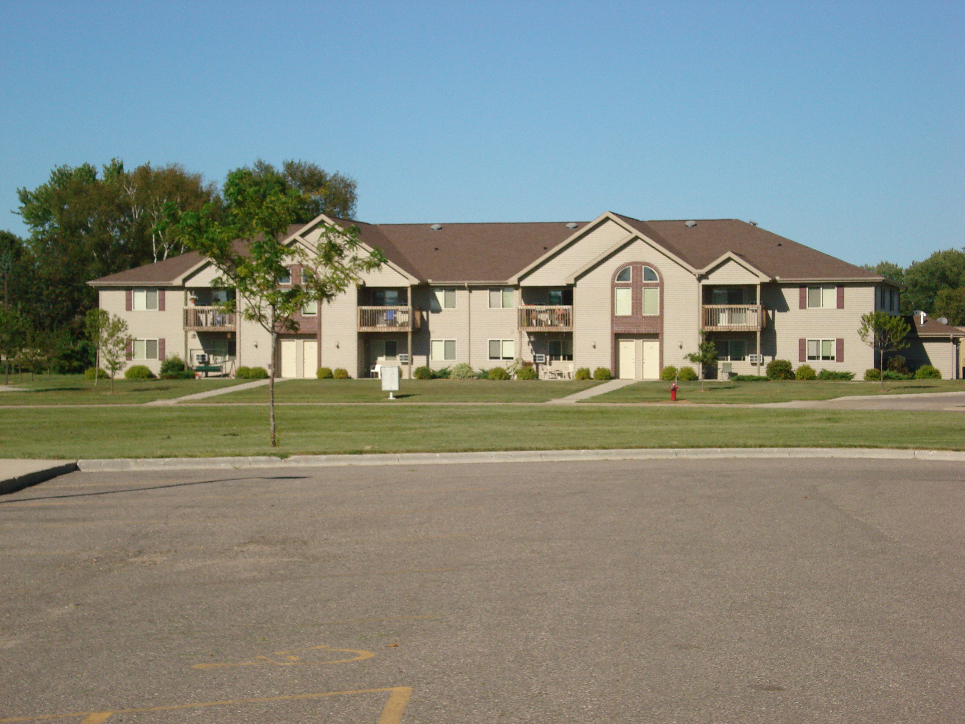 Stonefield Apartments - Mauston